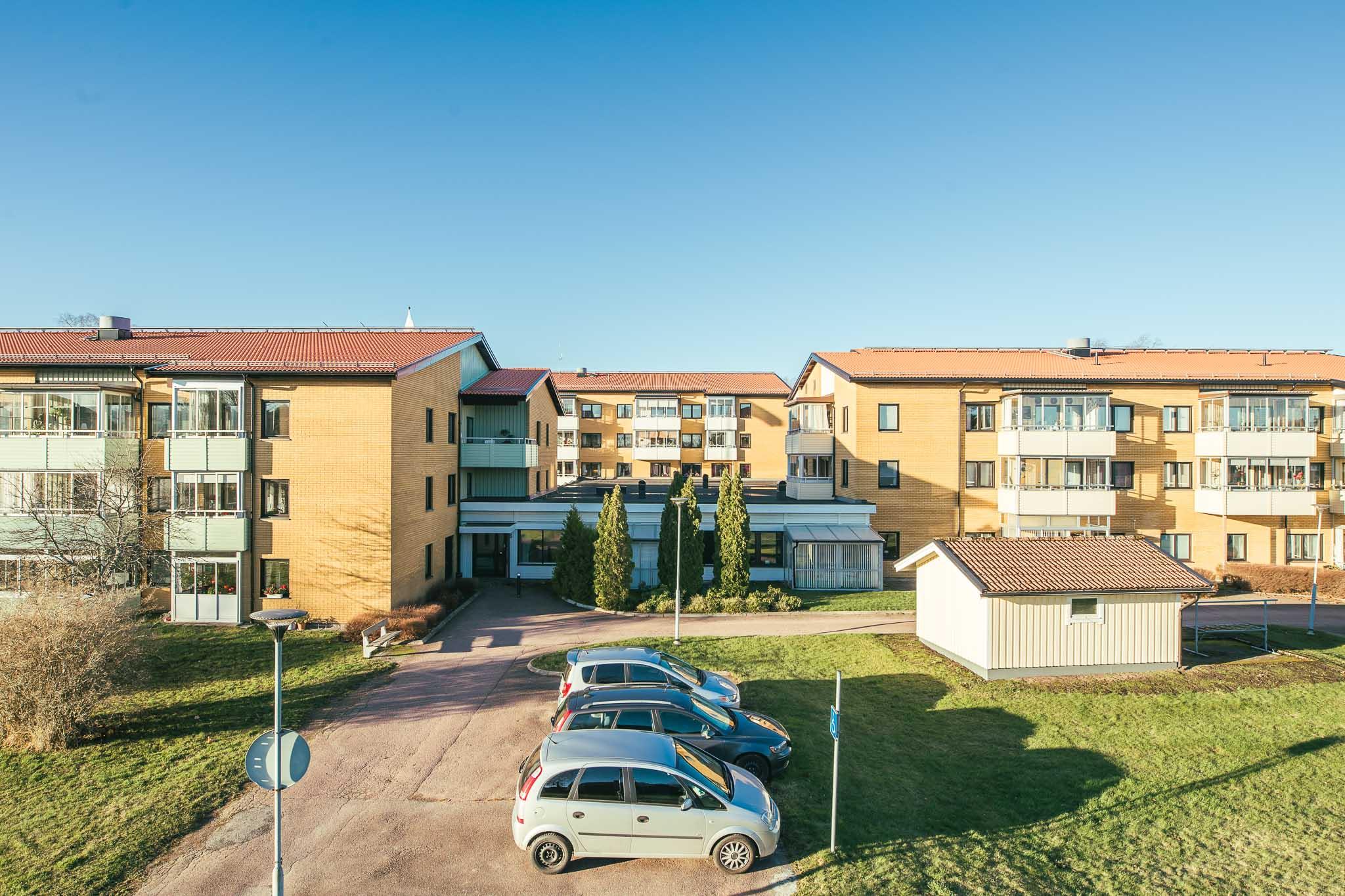 En bild på hyreshusen på området Björkebo